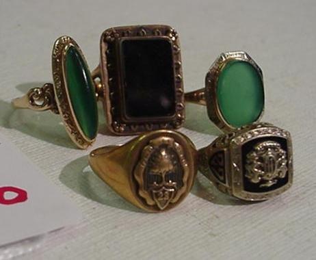 976: 5 Ladies Gold Rings: