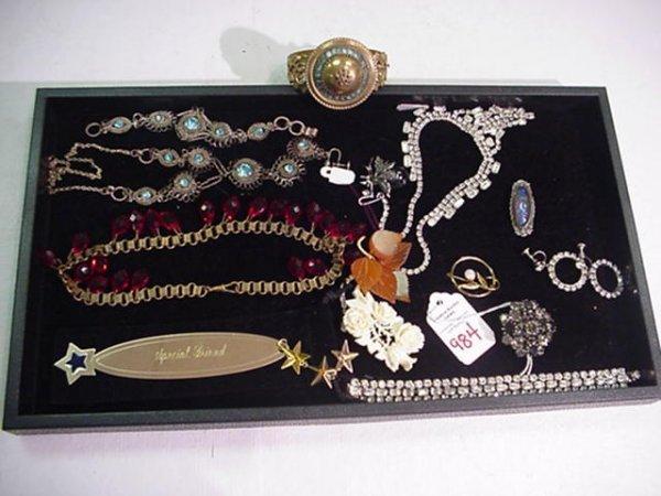 984: Assortment of Ladies Costume Jewelry: