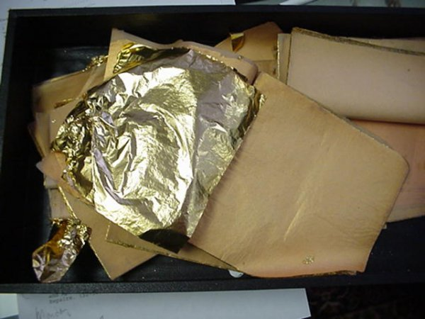 989: Gold Leaf Sheets for Gold Leafing Projects: