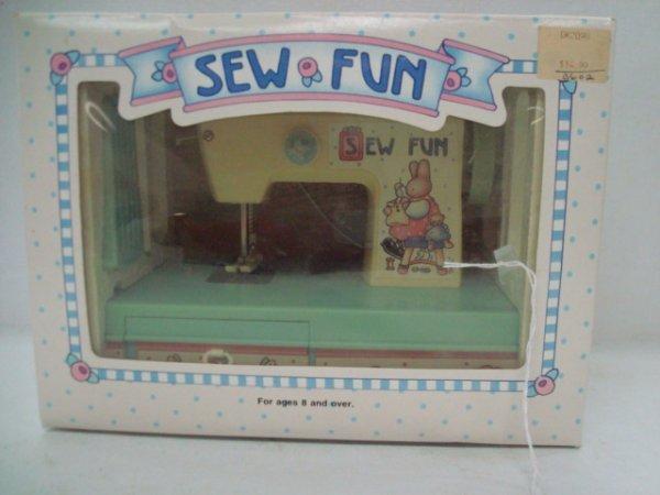 1009: SEW FUN Toy Sewing Machine in Box: