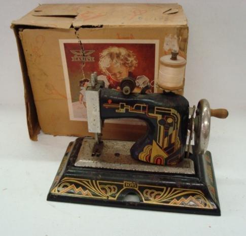 1017: CASIGE Model 1015 Child's Sewing Machine: