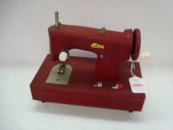 1020: Vintage SEW-ETTE Toy Sewing Machine: