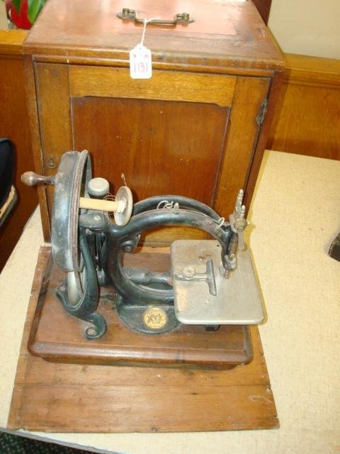 1131A: Willcox and Gibbs Sewing Machine: