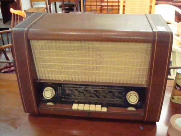 1501: SIEMENS Multi Band Vintage Radio: