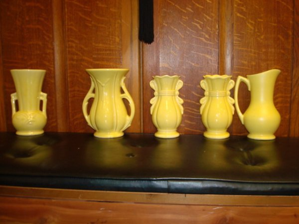 1513: 9 MCCOY Pottery Green and Yellow Vases: - 2