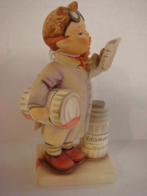 1006: HUMMEL #322 Little Pharmacist TMK-5: