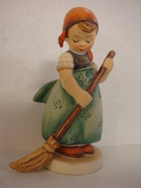 1024: HUMMEL #171 Little Sweeper TMK-3: