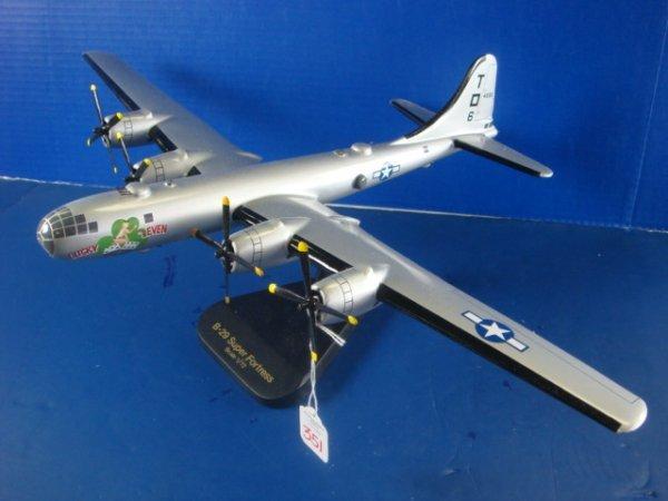 351: Desk Top Model B-29, 1/72 Scale