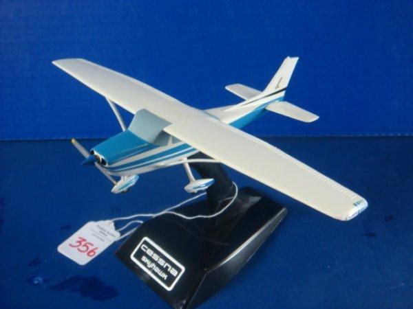 356: Cessna SKYHAWK, Blue Paint Scheme: