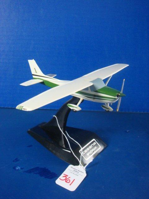 361: Cessna SKYHAWK, Green Paint Scheme: