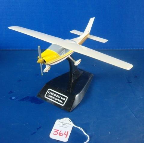 364: Cessna CARDINAL, Gold Paint Scheme: