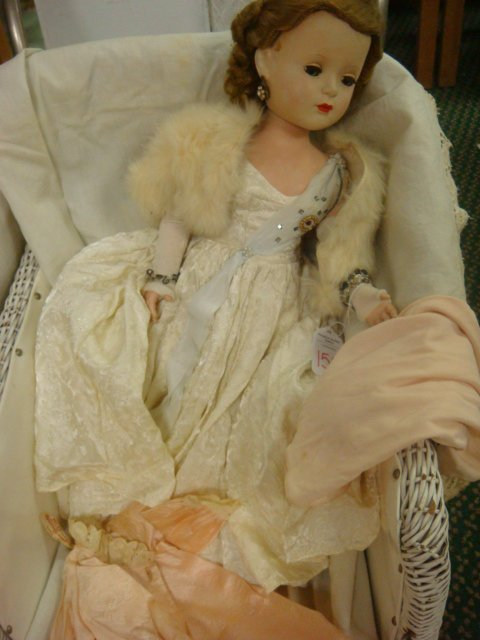 "158: 17"" MME Alexander Queen Cissy Walker Doll with Ext"