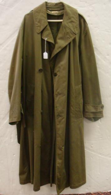 23: US ARMY World War II Overcoat: