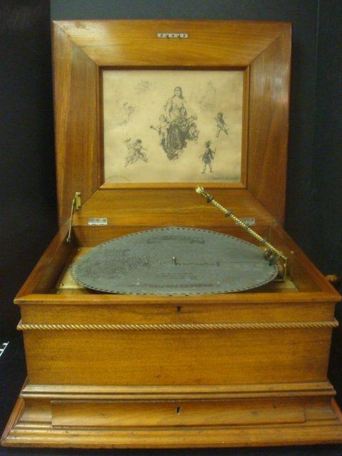 157C: REGINA Table Model 11 Music Box Ca 1900: