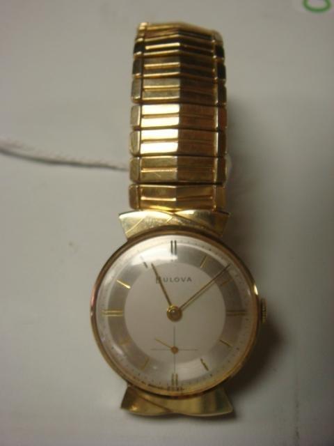 8: Man's 14KT Mechanical Wrist Watch: