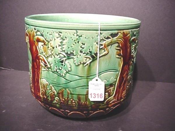 1316: Woodland Pattern Majolica Tin Glaze Jardiniere:
