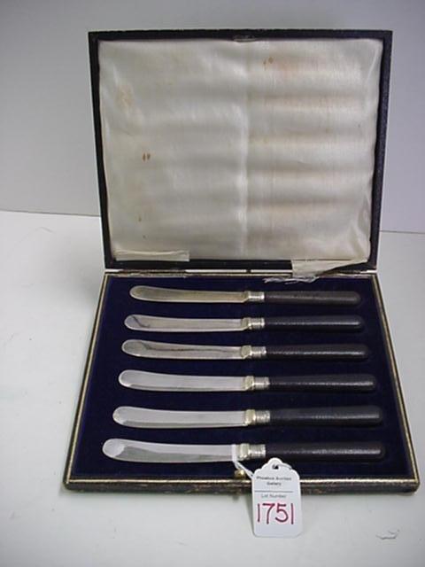 1751: Set of Sterling Collar Black Handles Butter