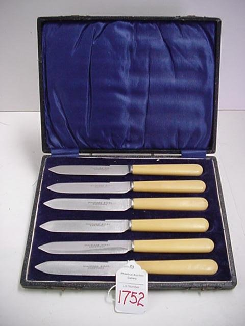 1752: Set of Sheffield Stainless Knives with Bakelite