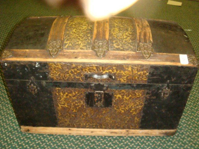 9: Dome Top 1880's Small Oak Banded Trunk: