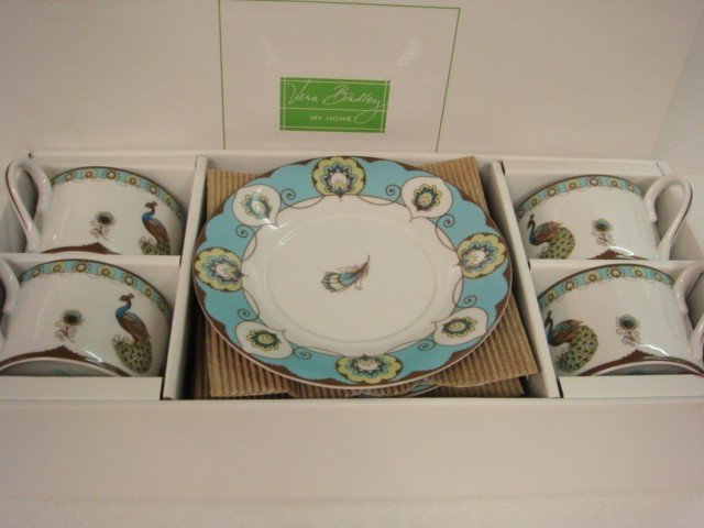 21A: VERA BRADLEY Peacock Cups and Saucers in Box: