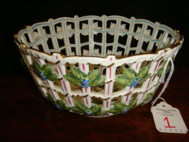 1: HEREND Rothchild Bird Round Open Weave Basket:
