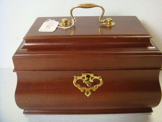 5: Colonial Williamsburg Mahogany Tin Lined Tea Caddy: