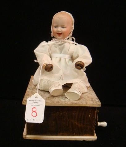 8: Gebruder Heubach, Manivelle Automaton Laughing Baby: