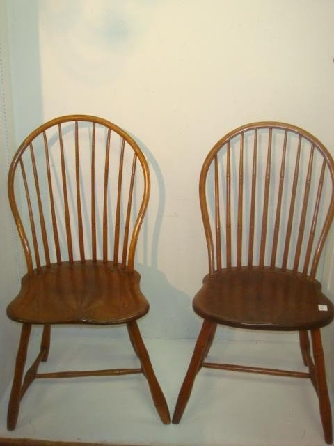 18: Pair of 19th C Bow Back Windsor Side Chairs:
