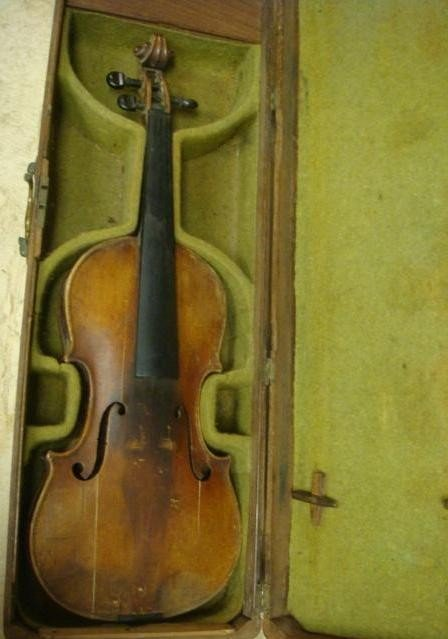159: Vintage ALEX  B HARDIE 1843 Violin in Wooden Case: