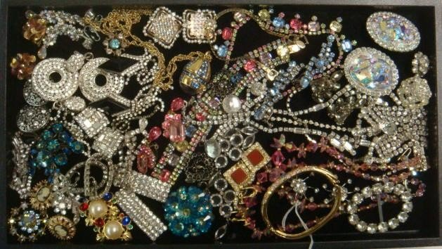 324: Rhinestone and Costume Fashion Jewelry: