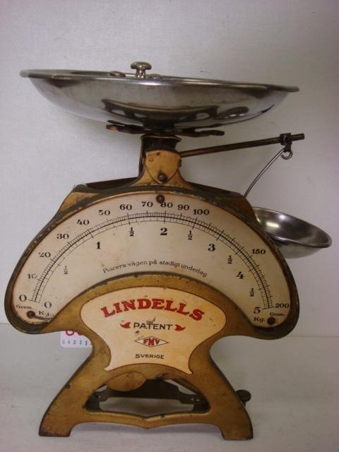 88: Vintage LINDELLS Balance Weight Scale from Sweden: