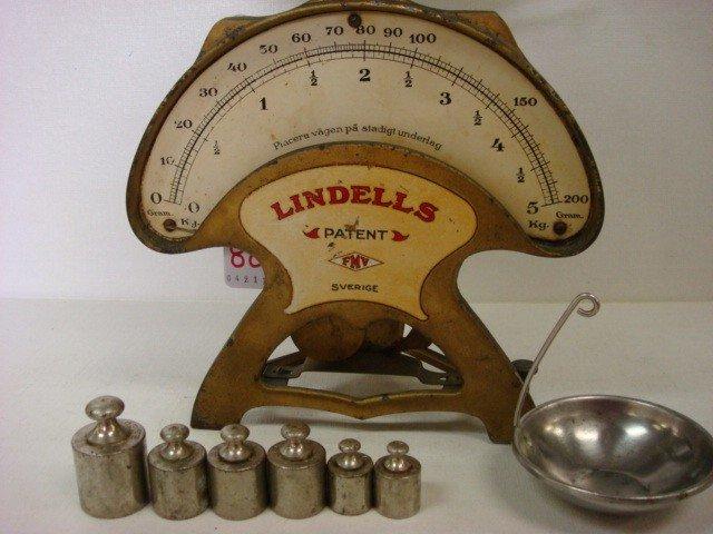 88: Vintage LINDELLS Balance Weight Scale from Sweden: - 2
