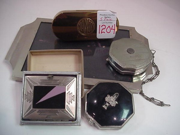 1204: Compacts on Chrome and Glass Tray: Whit