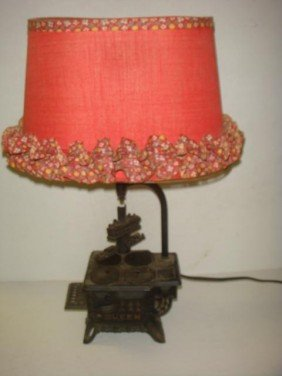 12: QUEEN Toy Cast Iron Stove Table Lamp:
