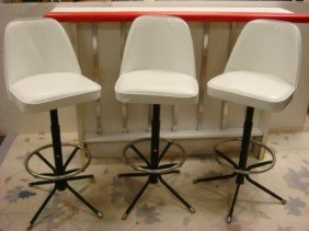 23: White Wooden Padded Edge Bar with 3 Stools: