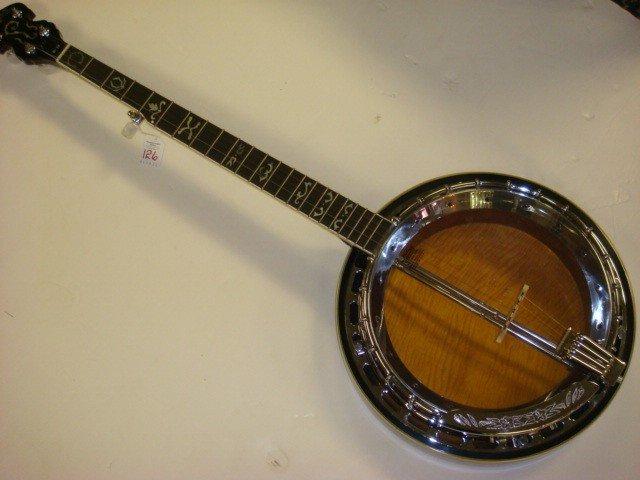 126: WASHBURN B 19 Banjo: