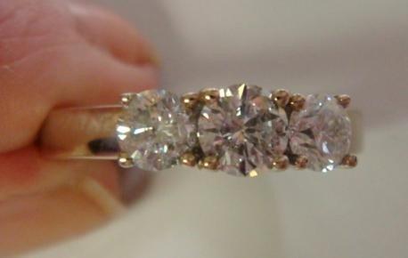 145: Past Present Future 1CT Diamond Ladies Ring: