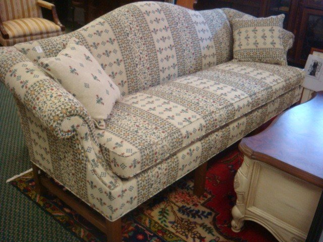 9: North Carolina FRIENDSHIP CO Single Cushion Sofa.