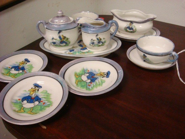 17: Japanese Donald Duck Iridized Child's Tea Set: