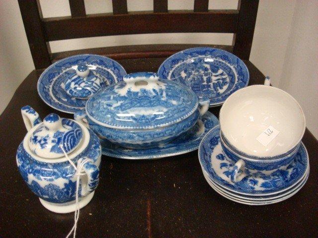 19: TRANSOR Japanese Blue Willow Child's Tea Set: