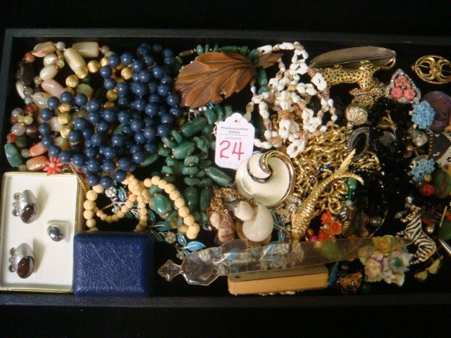 24: Collection of Vintage Costume Jewelry: