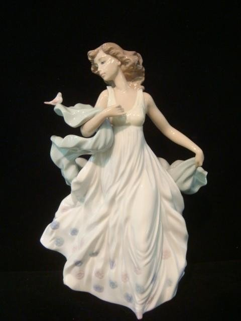 73A: LLADRO Summer Serenade Figurine: