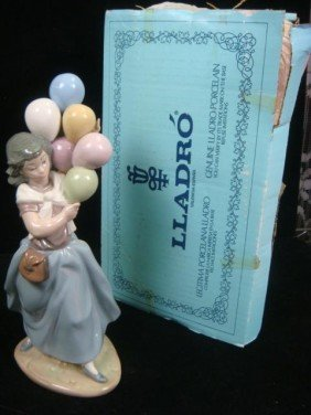 LLADRO Girl With Balloons: