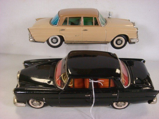 84: Two Japan Tin Mercedes Cars, One with Auto Jack
