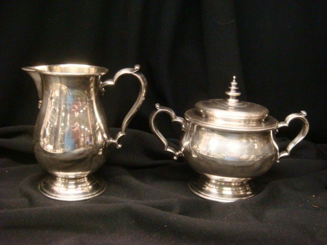 41: ONEIDA Heirloom Silver-plate Tea/Coffee Set w/Tray: - 4