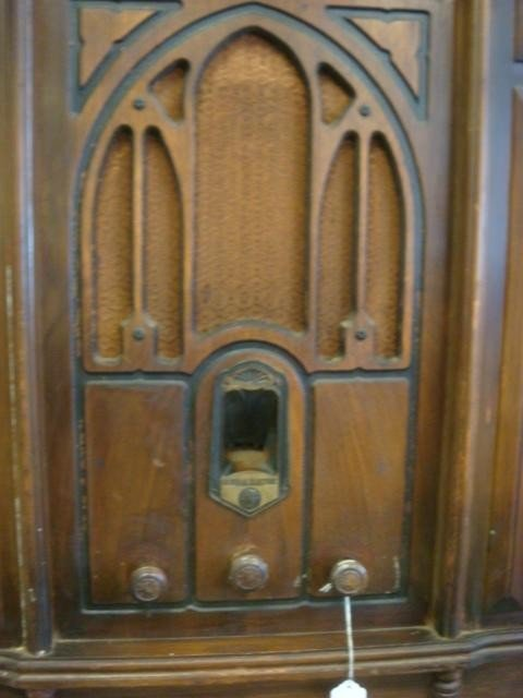 266: 1932 GE Console Oak Case Radio, Phonograph J-88 - 2