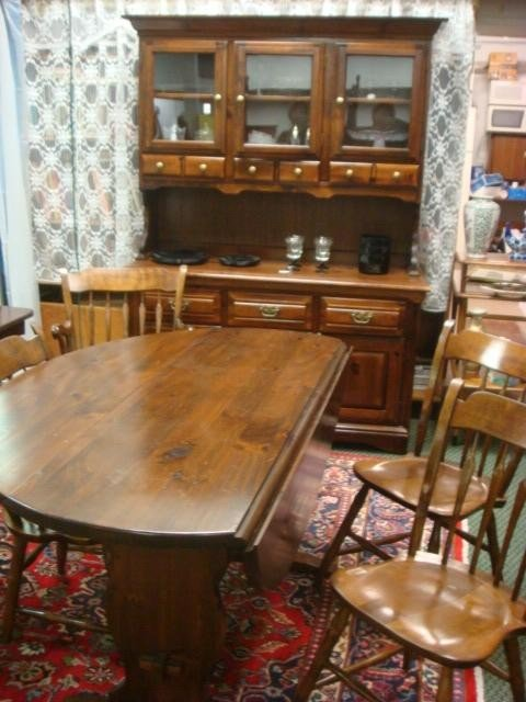 325 YOUNG HINKLE Pine Trestle Table 4 Chairs And Hutc
