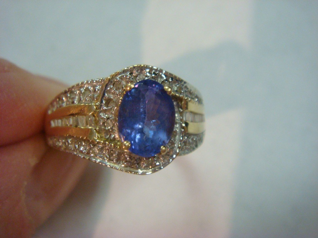 165A: 14KT Tanzanite and Diamond Ladies Ring: