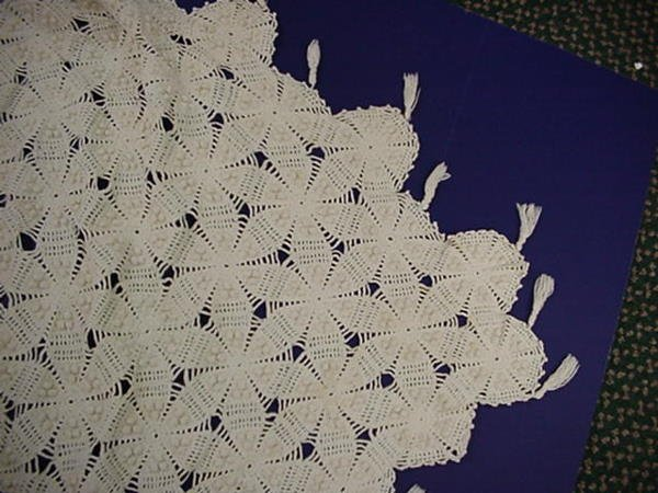 22: Hand Crocheted Vintage Popcorn Stitch Bedspread: