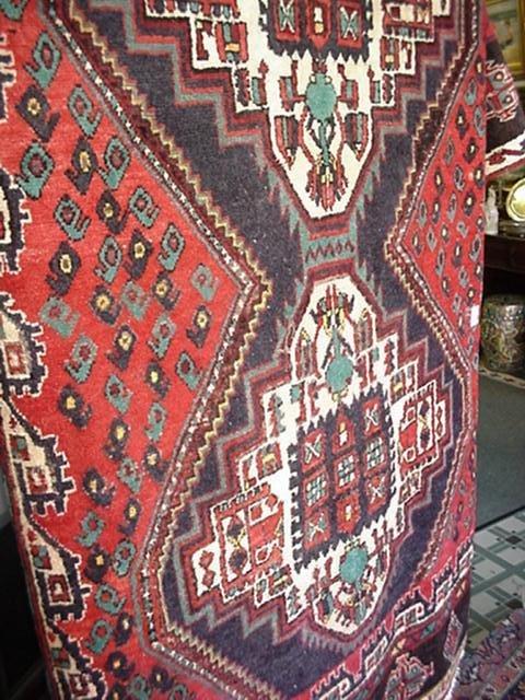 419: Hand Loomed Wool Iranian Shiraz Rug: 36576